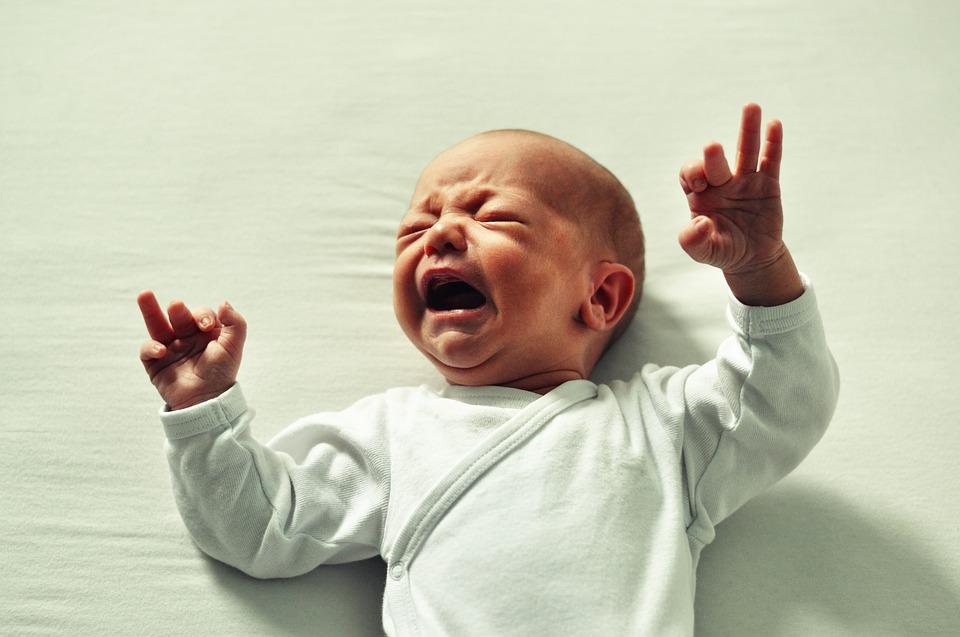 Hémorroïdes chez le bébé : comment les traiter